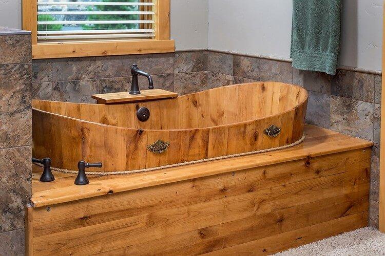 Rustic Wood Pallet Bathroom Tub
