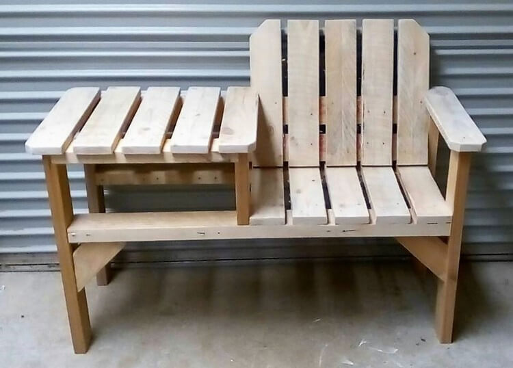 Pallet Chair with Table