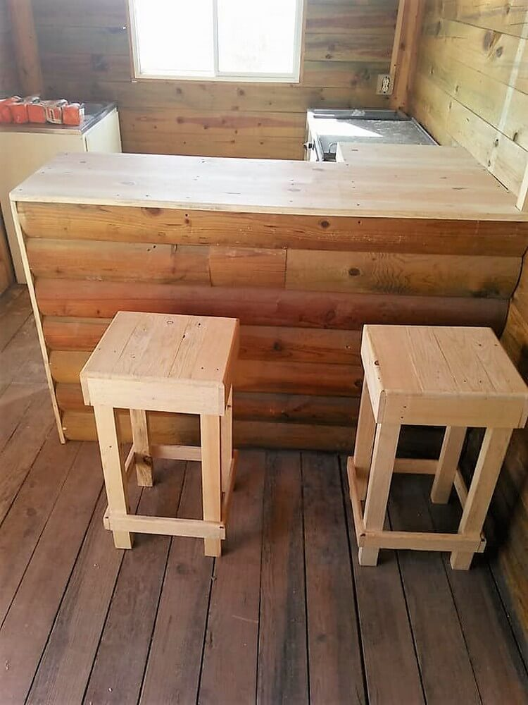 Pallet Kitchen Counter and Stools