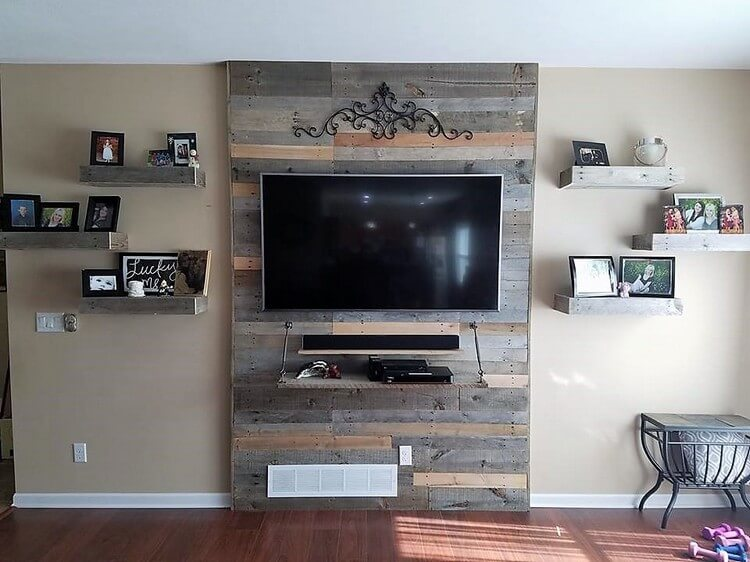 Pallet Wall LED Holder and Shelf