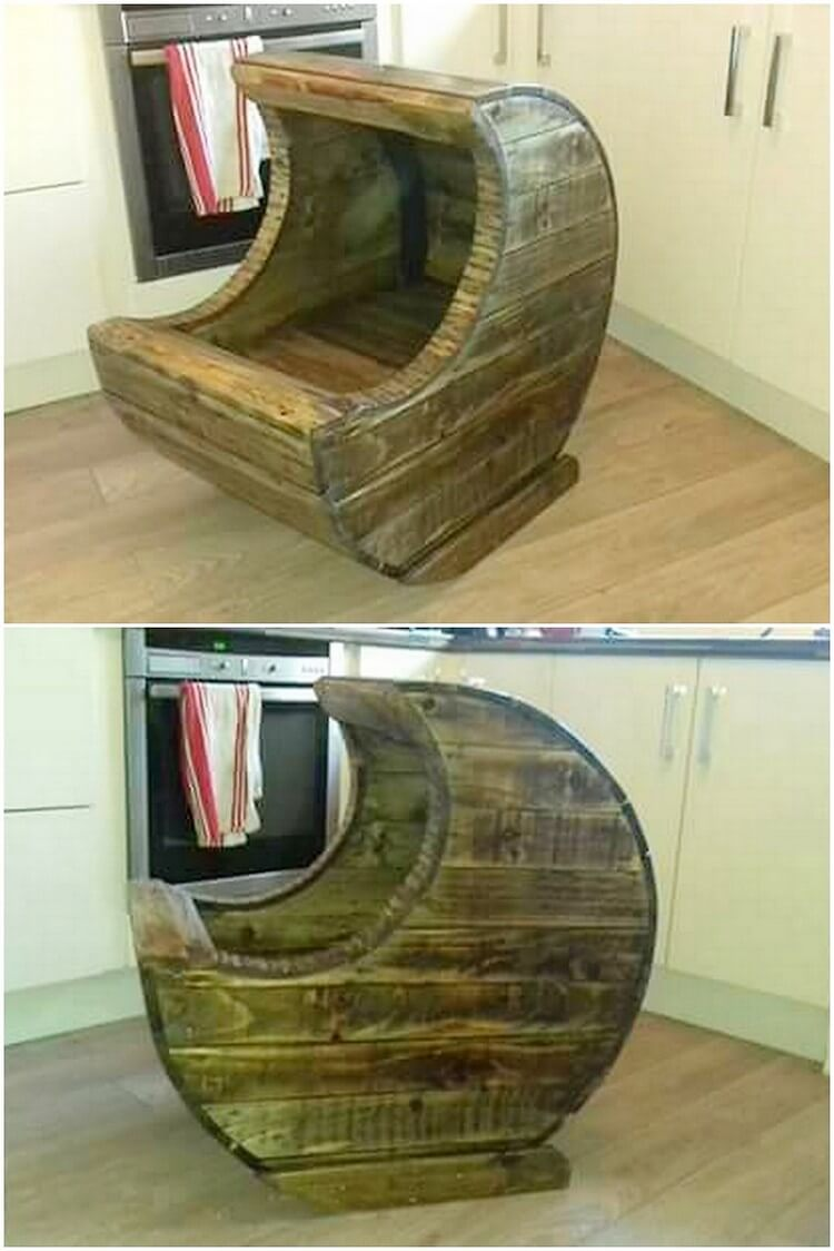 Recycled Pallet Moon Cradle Chair