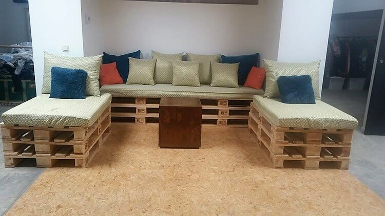 Pallet Couches or Dabed