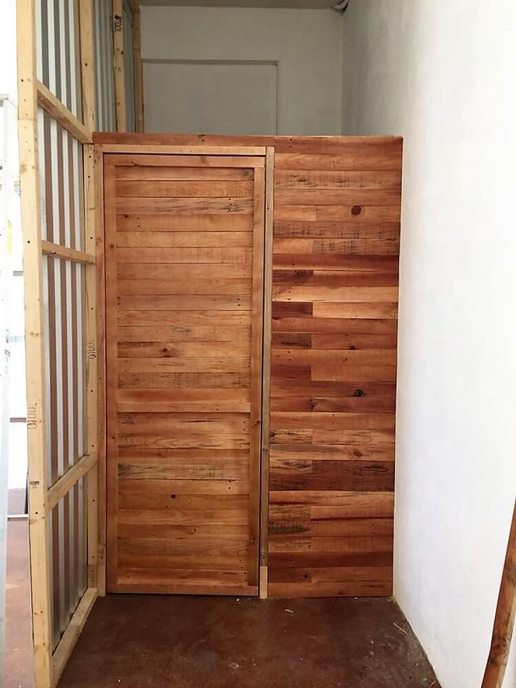 Pallet Door and Wall