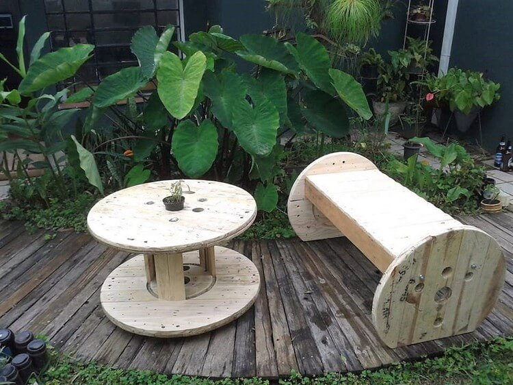 Pallet and Cable Reel Bench and Round Table