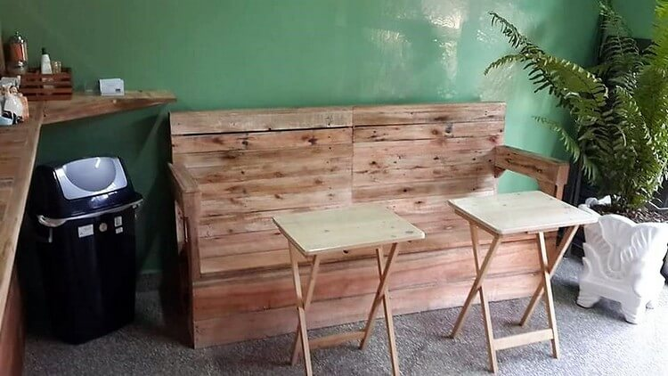 Pallet Couch and Tables