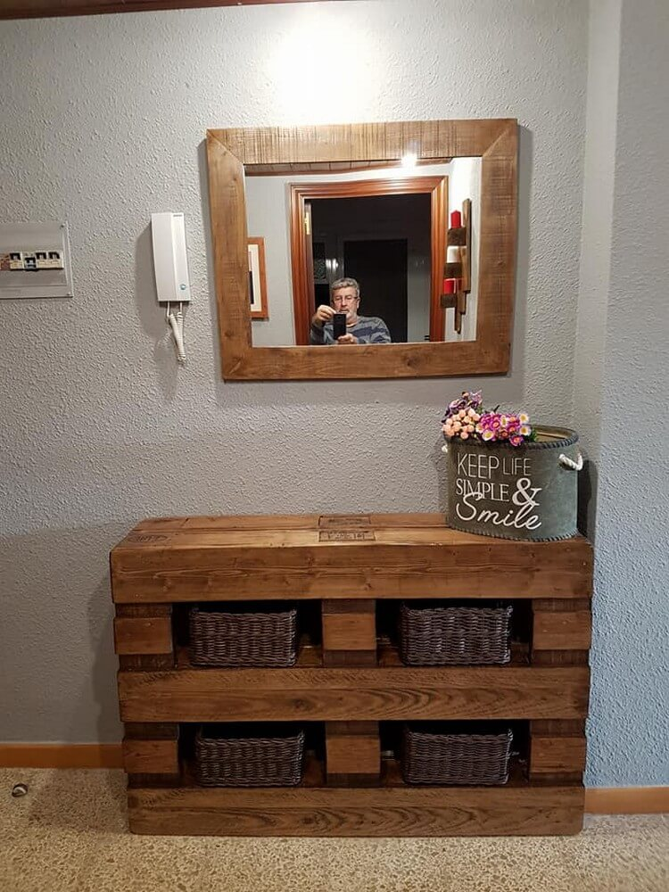 Pallet Dressing Table and Mirror Frame
