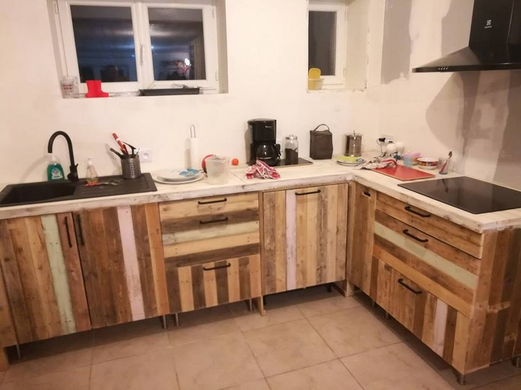 Brilliant ways to make cool projects with old pallets for Kitchen units made from pallets