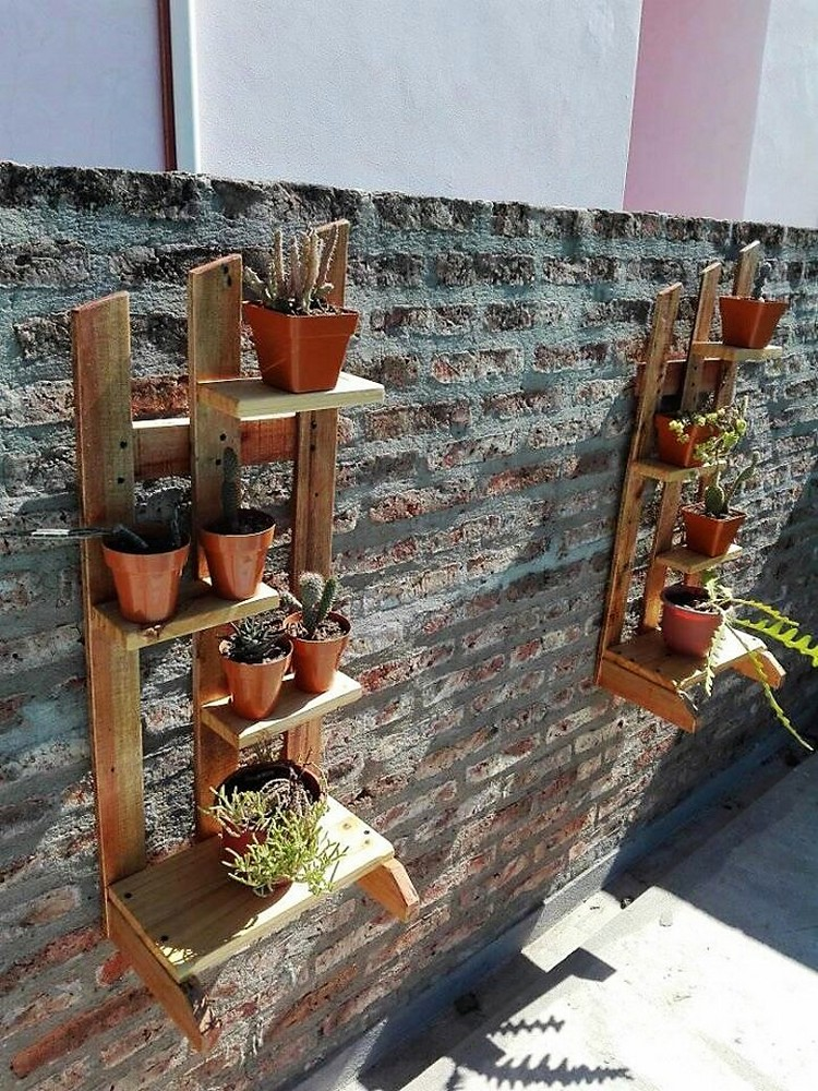 Pallet Wall Planter Stands