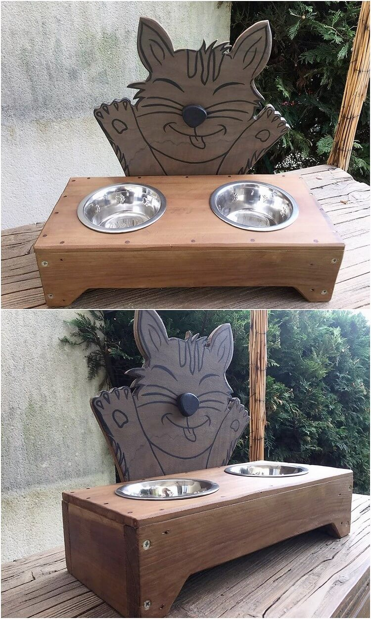 Pallet Dog Food Feeder
