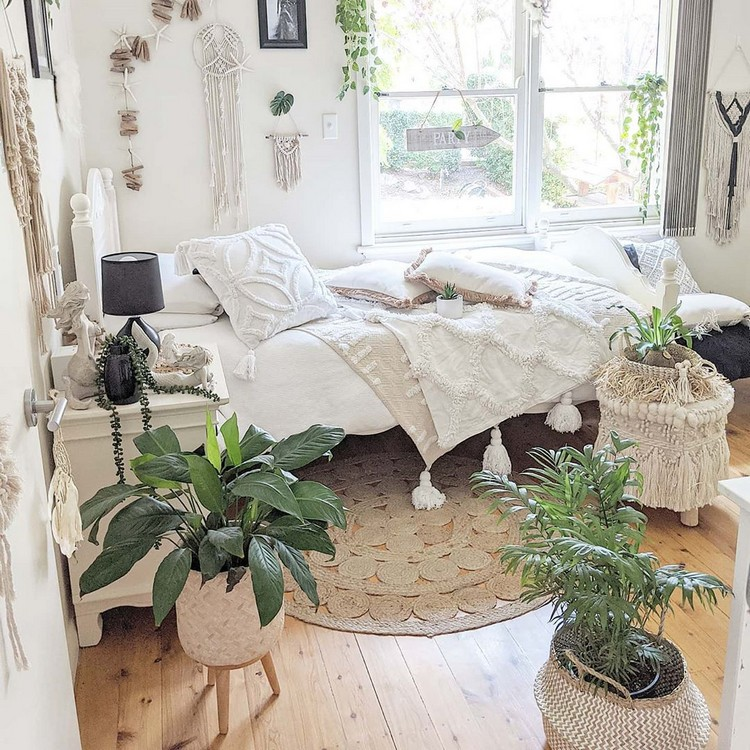 Enchanting Bohemian Bedroom Decor (6)